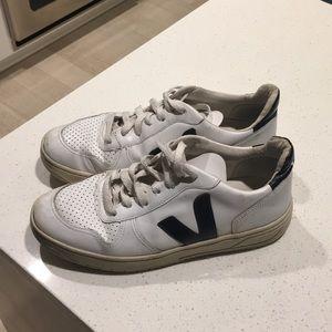 Veja Size 9 sneakers